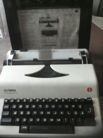 Пишущая машинка,