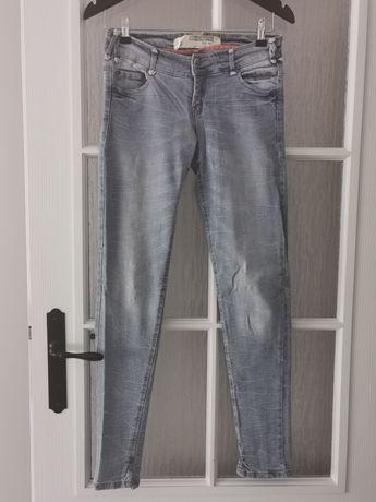 Jeansowe rurki Cropp XS