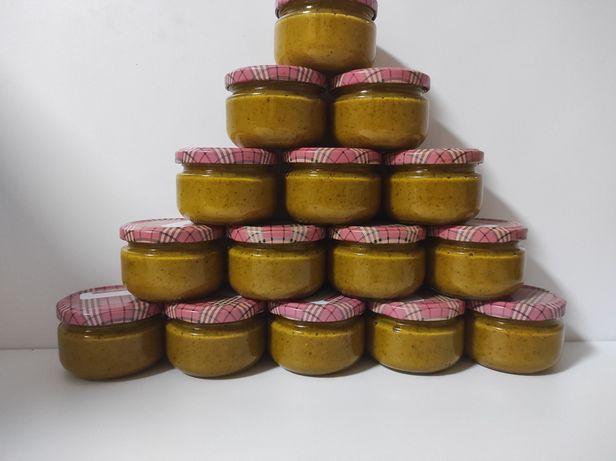 Перга, бджолиний хліб, консервована з медом в пропорції 1:1