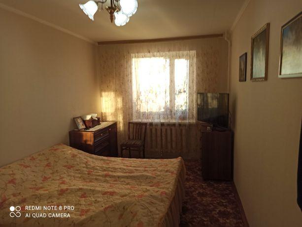 продається чотирикімнатна квартира м.Умань вул. Горького