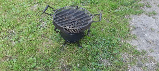 Mały grill żeliwny