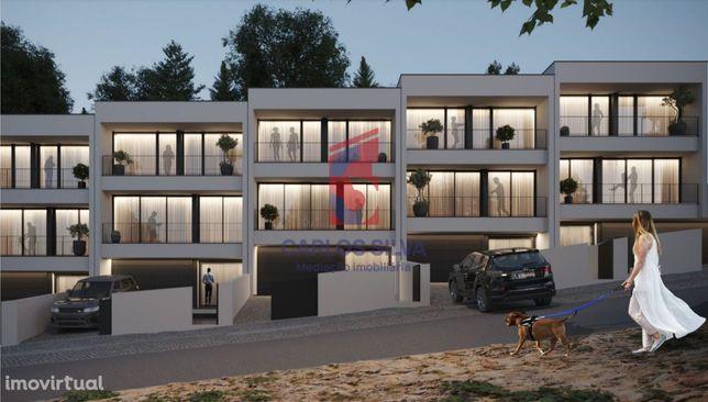 Moradia de Gaveto T3, arquitetura moderna - Antas, VNF
