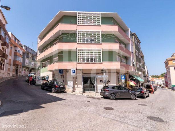 Apartamento T2 em Cacilhas para arrendamento