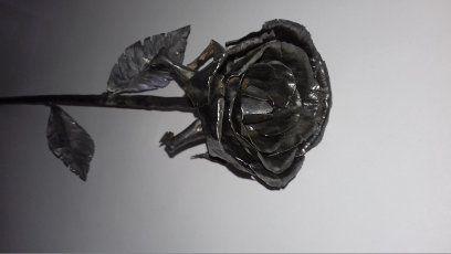 Wyjątkowa Róża na prezent do dekoracji