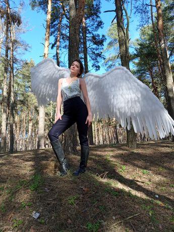 Крылья ангела чёрные и белые