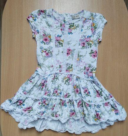 Sukieneczka z krótkim rękawem w kwiatuszki 3-4l