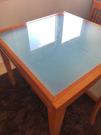 Mesa jantar extensível com oferta de quadro cadeiras
