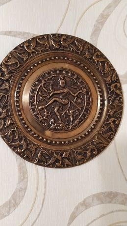 Красивая декоративная тарелка