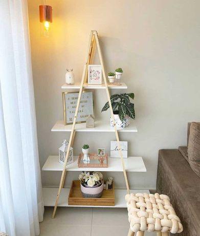 Estante escada de madeira