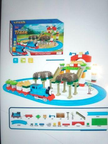 Качественная детская железная дорога конструктор паровозик Томас