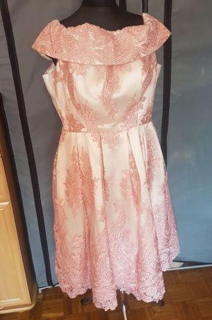 Sukienka hiszpanka gipiura haftowana