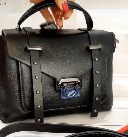 Полностью кожаная сумочка!