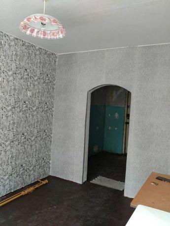 Продам 1 комнатную крупногабаритную квартиру в Старобешево.
