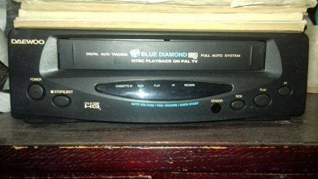 Продам видеомагнитофон и кассетный магнитофон маяк 232