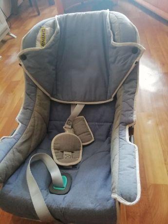 Детское кресло и детская качалка