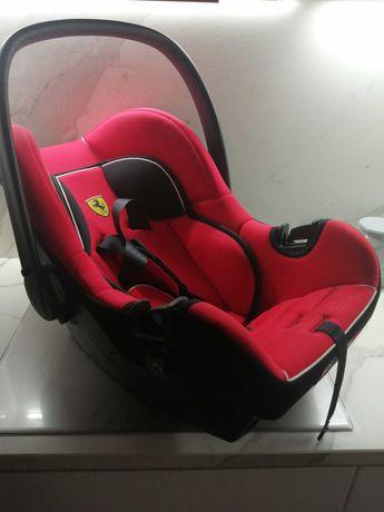 Fotelik-nosidełko Ferrari