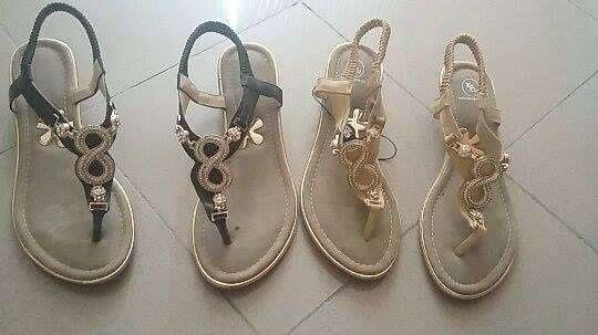 Sandálias, tamanho 41