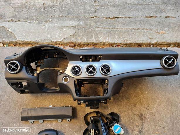 mercedes gla tablier / w176 / w117 / x156 / a200 / a180 / coupe / tablier / airbag
