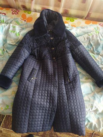 Женское зимнее пальто 4000 рублей