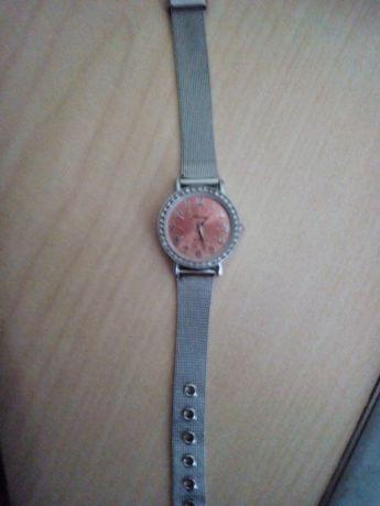 Часы женские с браслетом,рабочие