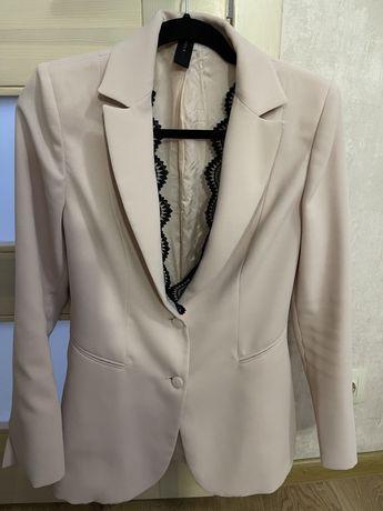Итальянский стильный пиджак