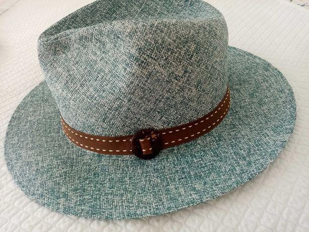 Chapéu novo por estrear