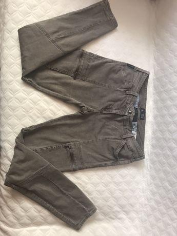 Spodnie beżowe Armani Jeans rozmiar42, 44,stan uzywane b.dobry