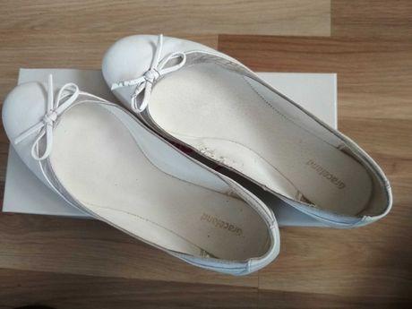 Białe baleriny z kokardką damskie