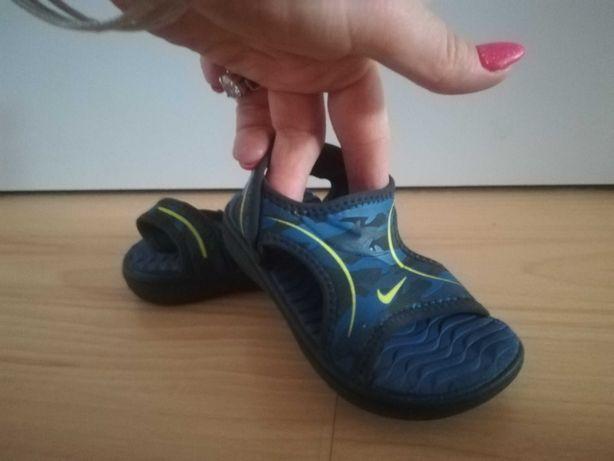 Sandały Nice r. 22 (dl. wkładki 12cm)