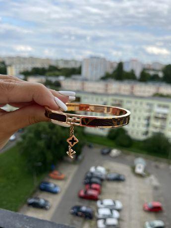 Bransoletka Louis Vuitton złotą wisiorek