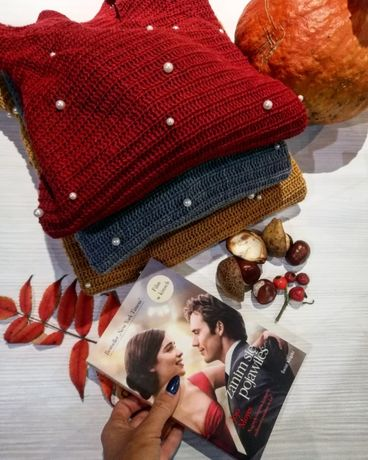 Śliczny sweterek z perelkami r. Uniwersalny NOWY