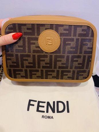 Fendi small ff logo camera bag Nowa oryginał! komplet