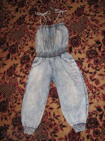б/у джинсовый летний комбинезон на рост 120-125 см