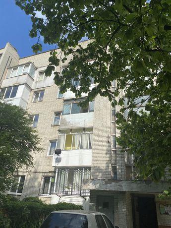 Продаж 3-х к. кв. Патона,68м.кв,3/5 ц, чешка, 2 балкони, 55000$