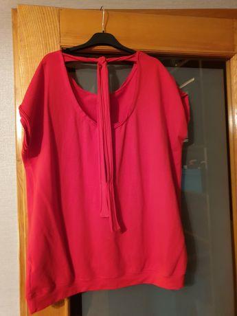 Czerwona bluzka.