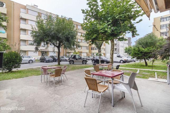 Loja para arrendamento e exploração com 50 m2 em Lomar, Braga