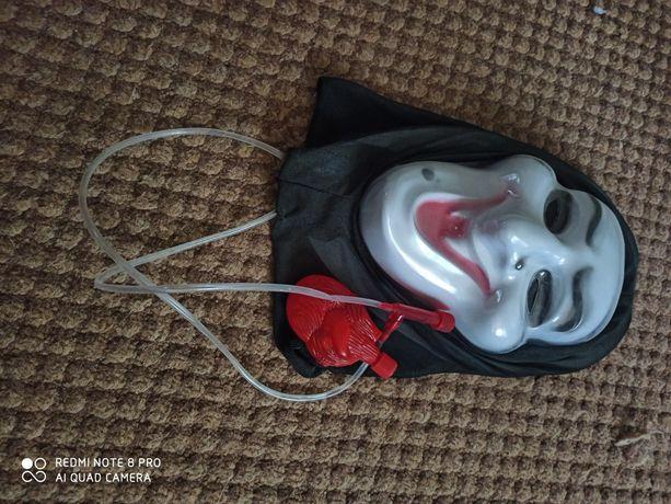 Игрушечная маска