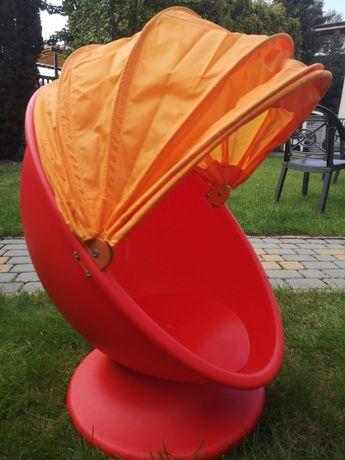 Fotelik obrotowy z Ikei.