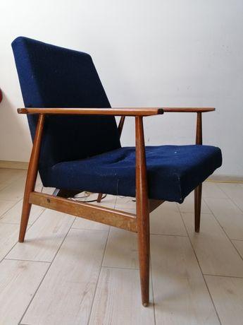 Fotel PRL granat drewno