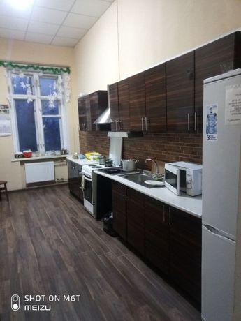 Комнаты, Места в общежитии возле метро Почайная