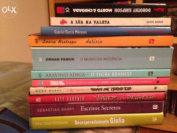 Lote de 10 livros romance e outros