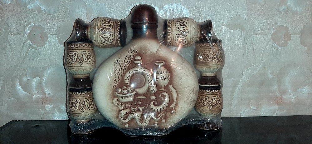 Набор для застолья - бутыль с рюмками . Киев - изображение 1