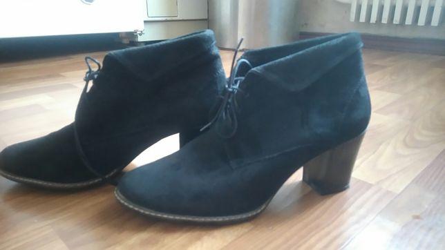 Ботинки замша 39 размер