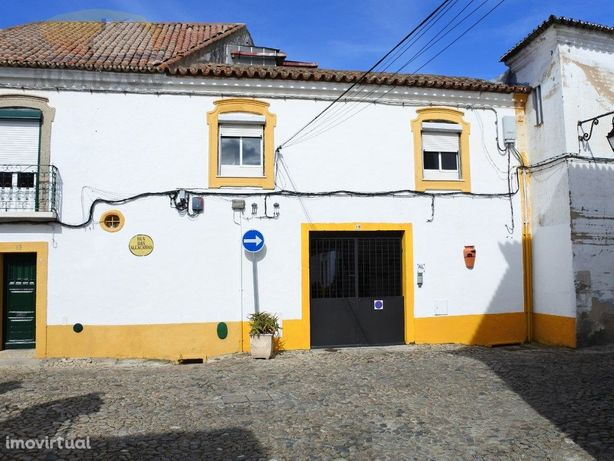 Moradia T4   Centro Histórico de Évora