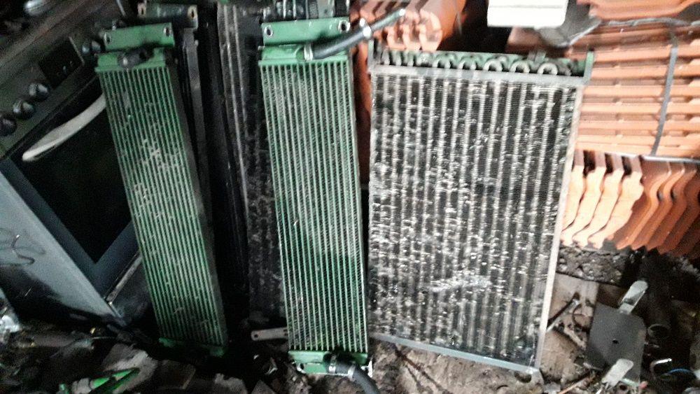 Chłodnica: oleju-paliwa-hydrostatu-intercooler John Deere sieczkarnia