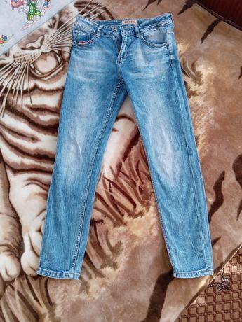Продам джынси 26 размер состояние как новые одевала пару раз