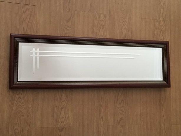 Espelho Biselado com Moldura em Madeira