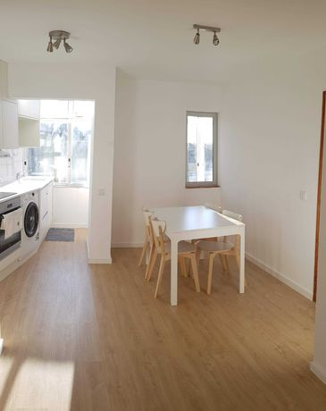 T2 + Living room + 2 bathrooms apartment for rent.