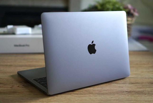 "Apple MacBook Pro 13"" Touch Bar - 2019 (i5/16GB/256GB SSD)"