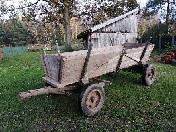 Drewniany wóz konny